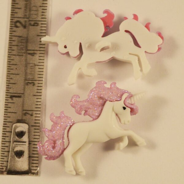 Unicorn button with sparkle Mane